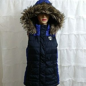 New AEO Faux Fur Hooded Puffer Zip Up Vest